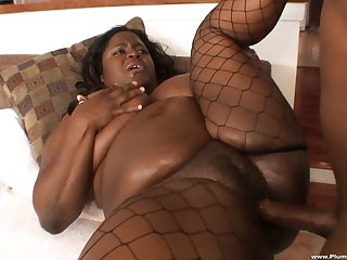 Buxom ebony BBW Ms. Kitten Lowering gets her fat pest pounded hard