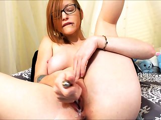 Solo redhead battle-axe toys and fingers her holes