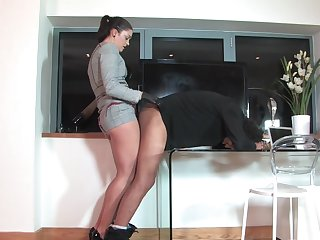 Slanderous mistress loves to pegg their way helpless husband - The Hunteress