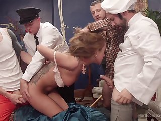 Gangbang with frying guys is go out of one's way to that Roxanne Rae loves