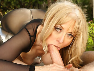 Stranger The Vault: Nina Hartley - SexLikeReal