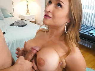 Mamma fucking and sexy blowjob with bodacious Skylar Snow