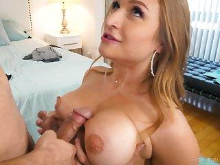 Mamma fucking and sexy blowjob with bodacious Skylar Snow