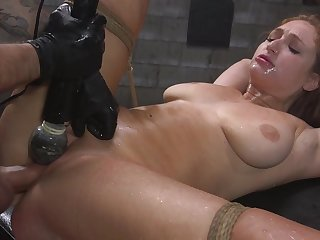 Skylar Cat's-paw is life with rope after a long time the brush pussy is over-stimulated