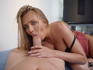 Peen-pleasing tart Jeanie Marie Sulivan gives up some great pussy