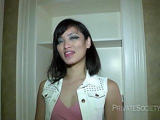 Ps Asian or somthing hot girl