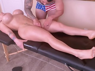 Horny Young Mom Is Spoiled With A Tongue Knead And A Ro - massage