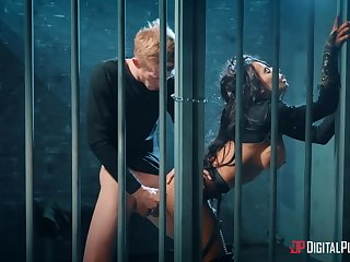 Caged woman deals entire load of shit the hard way