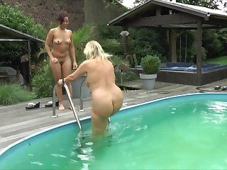 Wet Fun In The Garden - TacAmateurs