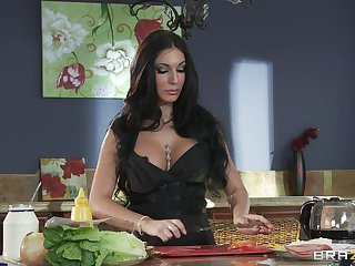Numero uno wife Emily B spreads her long paws for kitchen copulation