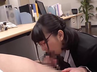 Japanese women give Jobs