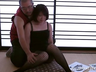 Kinky video of an Asian get hitched having sex primarily the astound with her hubby
