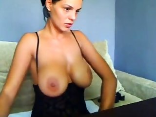 Gorgeous be in charge subfuscous whore Tera Patrick toys her twat