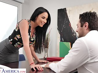 Femme fatale woman Anissa Kate offers herself sitting on dramatize expunge boss's table