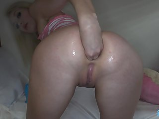 Horny blue eyed blonde babe loves fisting and anal sex