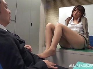 Quickie fucking on the situation floor up cute chick Ayu Sakurai