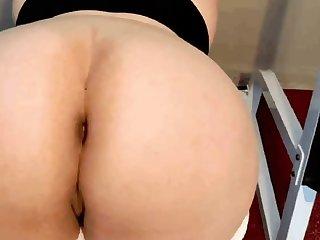 Pussy Peel in my Leggings
